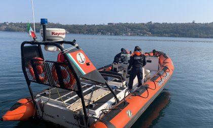 Carburante nel lago, scampato pericolo grazie alla Guardia Costiera