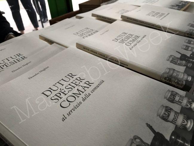 Il libro Dutur, spésier, comàr di Maghini