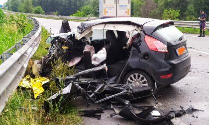 Tragico frontale sul provinciale, muore un 26enne