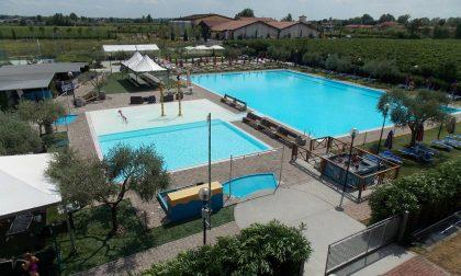Il Villaggio dei Fiori riapre la piscina