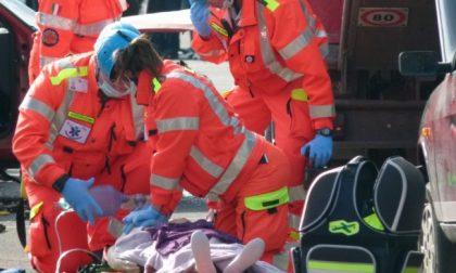 Sviene e picchia la testa, 13enne finisce in ospedale