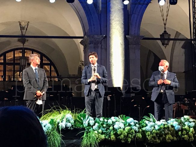 Brescia Concerto del coraggio e della dedizione da il sindaco Del Bono, il Ministro Speranza e l'assessore regionale Galli