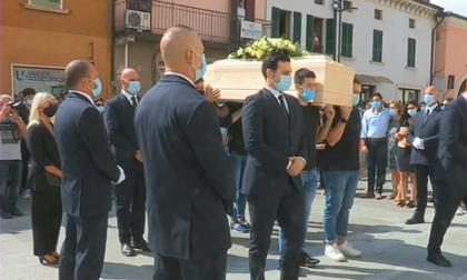In centinaia per l'addio commosso a Nicolò Bagnuolo FOTO