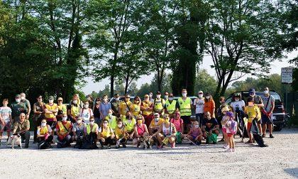 Pulizia lungo l'Oglio: volontari in campo per la raccolta dei rifiuti