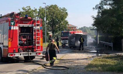 Furgone in fiamme a Pontoglio