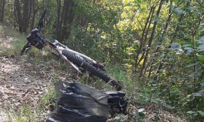 Schianto contro un albero: muore ciclista di 44 anni