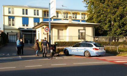 Incidente a Rovato: scontro tra auto e moto in via XXV Aprile