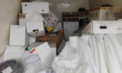 Trasportava merce scaduta o senza etichetta: multa e sequestro
