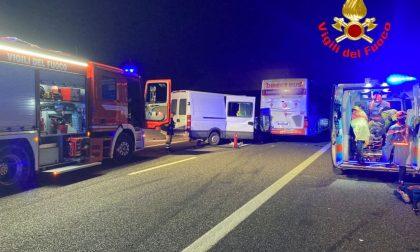 Terribile incidente a catena in Corda Molle, quattro feriti FOTO