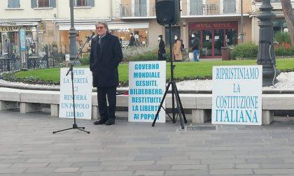 No Vax a Desenzano per dire no alle mascherine e ai vaccini - GALLERY