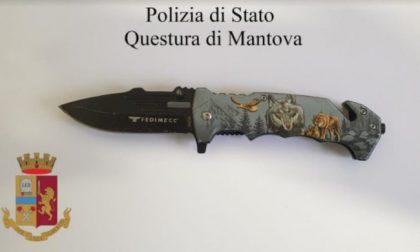 In tribunale con un coltello, denunciato 27enne