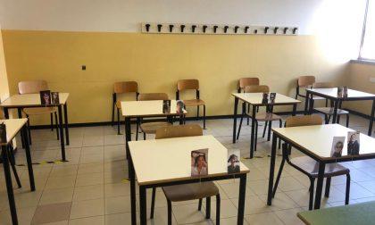 Didattica a distanza: gli studenti lasciano le loro foto in classe per i prof