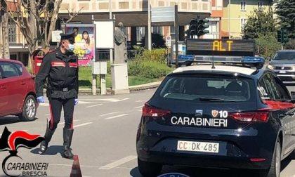 Pusher recidivo arrestato dai carabinieri: è ai domiciliari