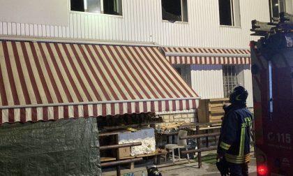 Incendio in un appartamento, arrivano i Vigili del Fuoco