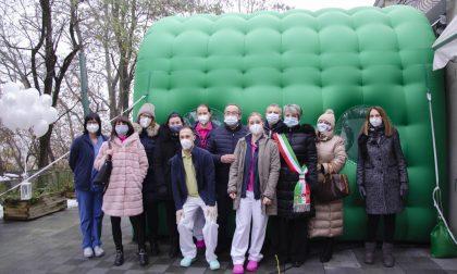 Tunnel degli abbracci: il primo in Lombardia è a Seniga