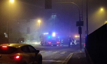 Il semaforo è guasto da giorni: due pericolosi incidenti in poche ore