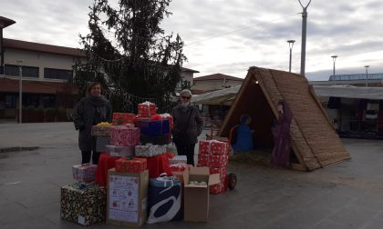 In auto delle famiglie in difficoltà con le Scatole del Natale
