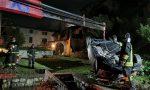 Precipita con l'auto nel giardino di una villetta: miracolata FOTO