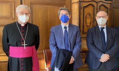 Santa Lucia: visita del Vescovo Tremolada all'Ospedale dei Bambini