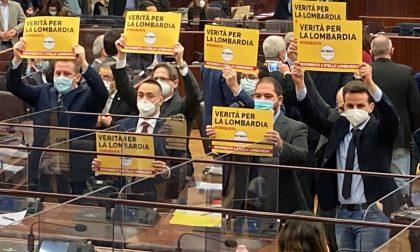 """La protesta del M5S: """"Verità per la Lombardia"""""""