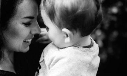 «Conosco una mamma», le mamme single fanno rete contro la solitudine