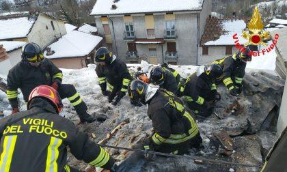 Incendio a Lodrino, le fiamme divorano un tetto