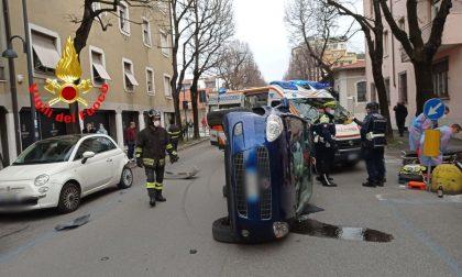 Carambola a Brescia: intervengono i Vigili del fuoco