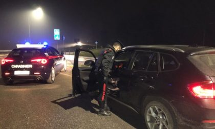 Folle inseguimento a Spino, i carabinieri recuperano un'auto rubata