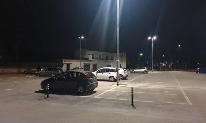 E' arrivata la luce a Led nel parcheggio dell'ex cinema