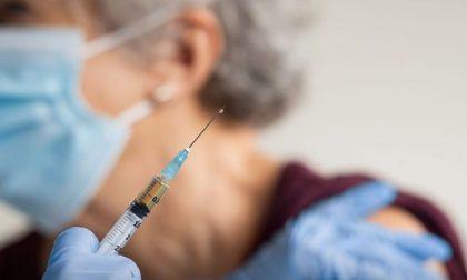 Vaccinazioni per over 80, le iniziative dei comuni