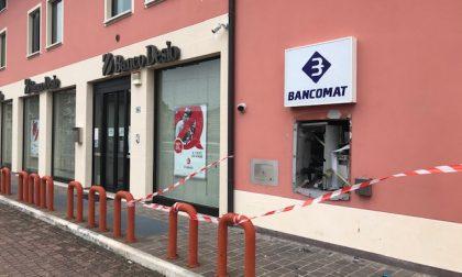Ladri in azione: salta il bancomat del Banco di Desio