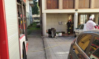 In fiamme un'asciugatrice: paura in una palazzina del centro