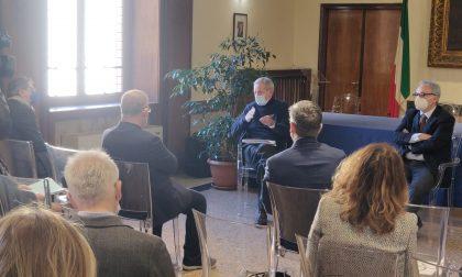 Bertolaso in visita a Brescia promette vaccini e cambio di passo: hub alla Fiera di Brescia