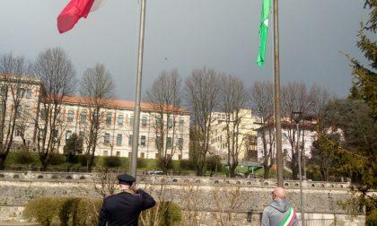 Brescia commemora le vittime del Coronavirus: Draghi in visita a Bergamo