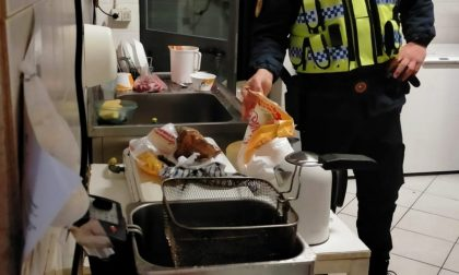 Sporco e cibo conservato male: maxi sanzione per un paninaro