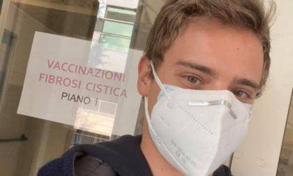 """Viaggio in Veneto per il vaccino: """"Ho la fibrosi cistica, in Lombardia non si sa quando toccherà ai fragili"""""""