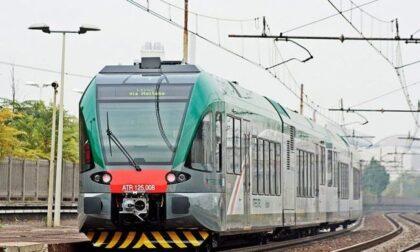 """Il treno """"salta"""" su un altro binario, stop di 13 ore (e tanta paura) sulla Milano-Brescia"""