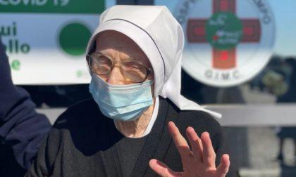 Suor Romilda, 103 anni, ha ricevuto il vaccino anti Covid