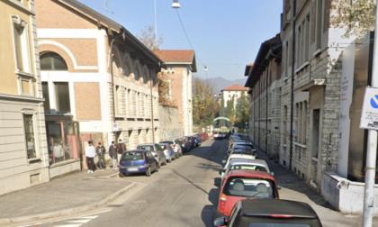Uomo senza vita ritrovato a Brescia all'alba