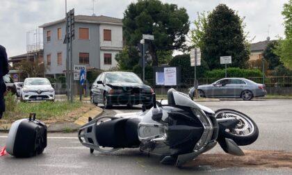 Scontro fra auto e moto, in ospedale due centauri
