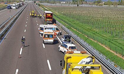 Incidente in autostrada all'altezza di Desenzano, code in entrambe le direzioni