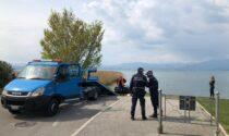 La Ferrari parcheggiata in discesa finisce nel lago di Garda