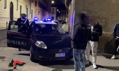 Atti vandalici sulle auto in sosta: denunciati quattro giovani