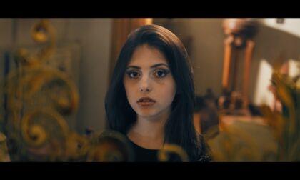 """Il video di """"Caos"""" di Emma Gabusi è online"""
