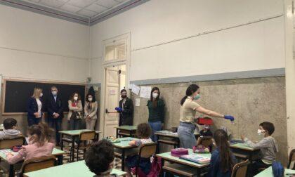 Avviato oggi lo screening nelle scuole con il tampone salivare: Travagliato è apripista