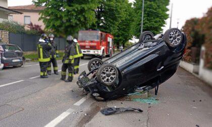 Violento incidente in via Brescia: auto si ribalta e intervengono i soccorsi