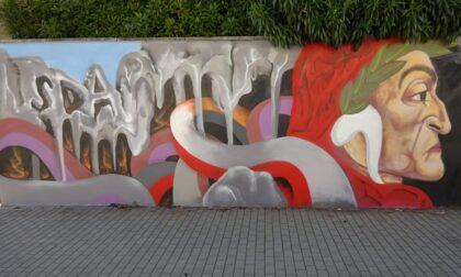Dante rivive a 700 anni dalla sua morte attraverso un murale