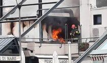 Incendio in un ristorante in riva al lago: sul posto i Vigili del fuoco