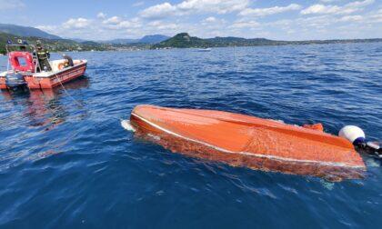Onda anomala, si ribalta natante con tre diportisti a bordo