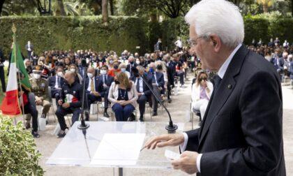 Mattarella consegna il tricolore agli atleti italiani in partenza per le Olimpiadi